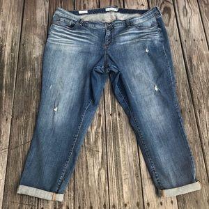 Torrid Boyfriend Jeans Sz 24 light denim